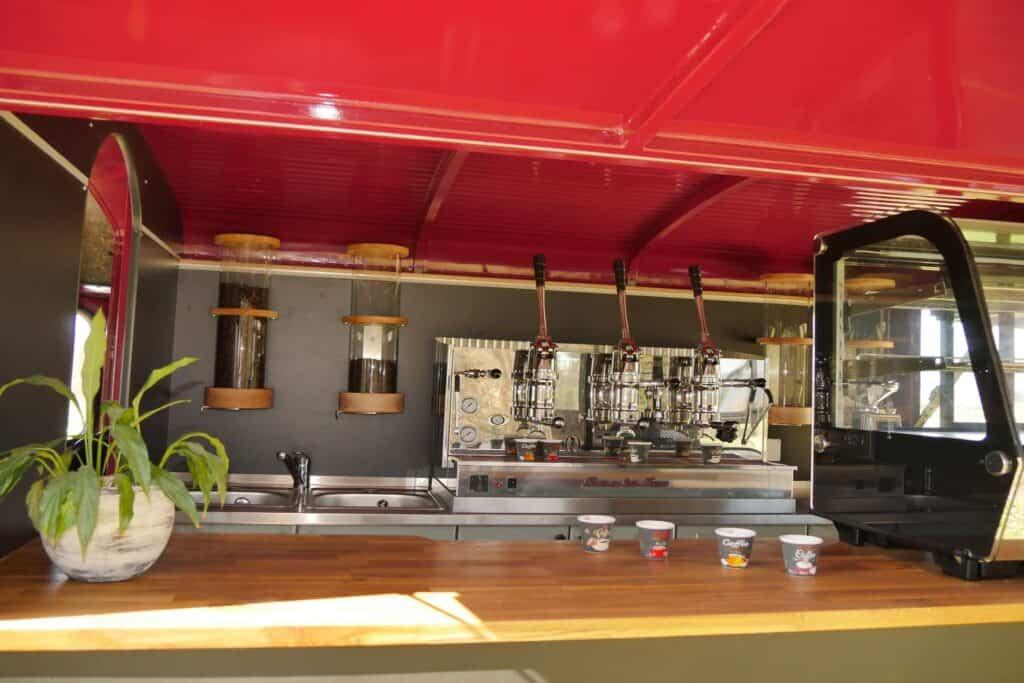 Coffee Truck ausgebaut mit Fiorenzato Kaffeemaschine